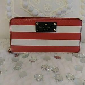 EUC Kate Spade zippered wallet